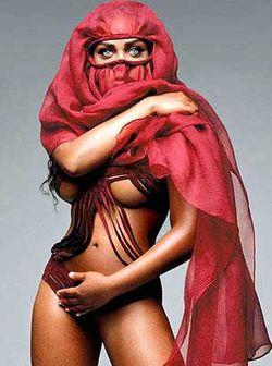 Lil_kim-burqa