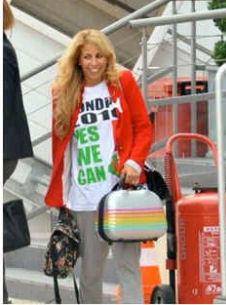 Mme_Ribery-tee_shirt_Algerie