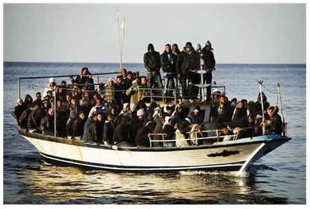 Migrants-tunisie-libye-par_Italie-avril_2011