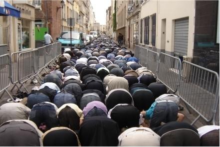 Priere de rue musulmane