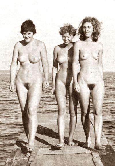 Angela-Merkel-nue-jeune