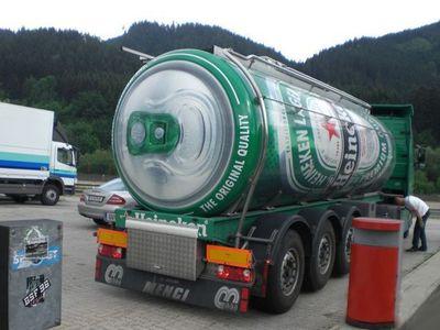 Camion-fut-biere-heineken-2