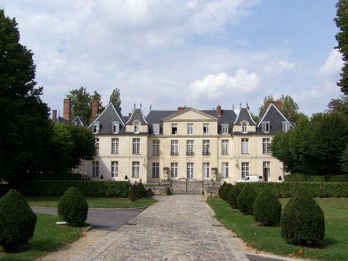 Le_Mesnil-Saint-Denis_Mairie_Château