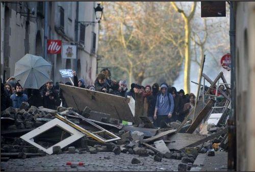 Violence de gauche à Nantes-1