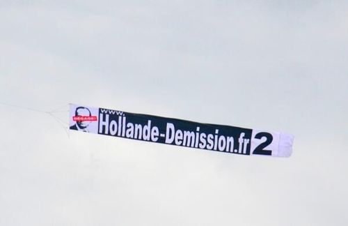 Banderole Hollande démission
