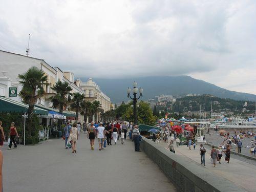 Yalta_Sea_Promenade
