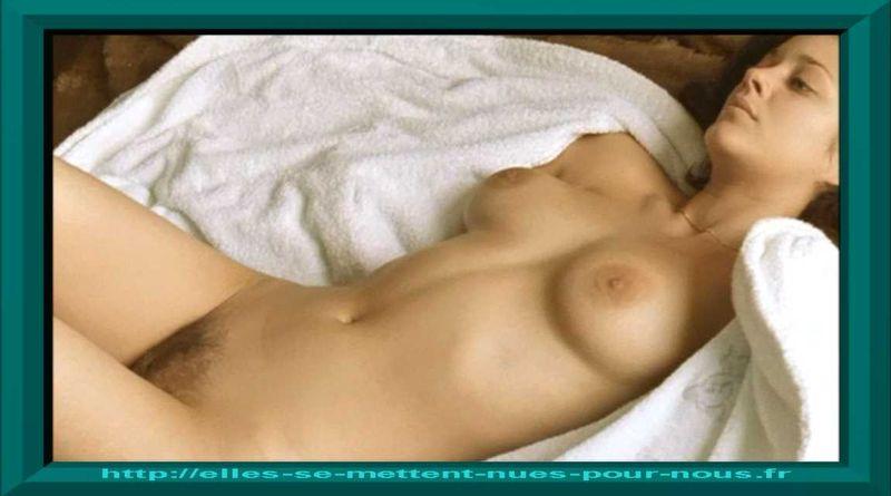 Marion Cotillard nue dans le film Les jolies choses-2001