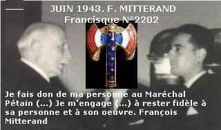 Mitterrand recevant la francisque du Maréchal Pétain