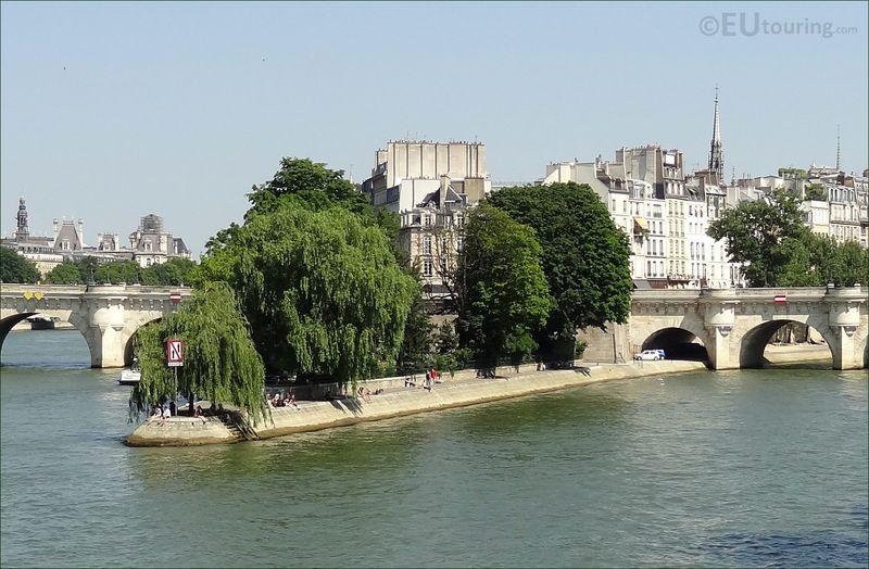 Square_du_vert_galant_Paris