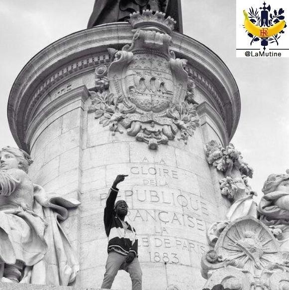 Monument à la République Paris