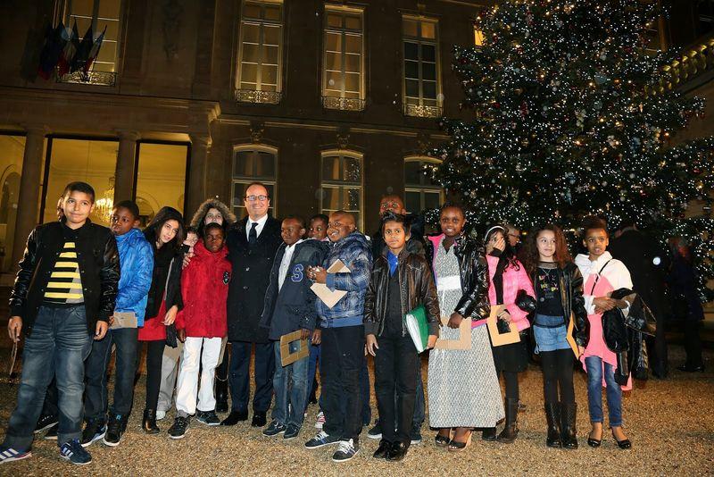 Francois-Hollande-inaugure-le-sapin-de-l-Elysee-décembre 2014-1
