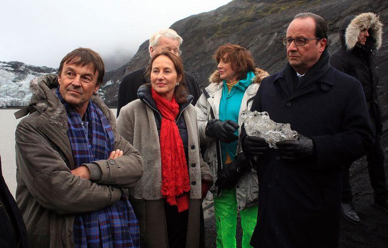 Hollande au pied du glacier Solheimajökull en Islande-16.10.2015