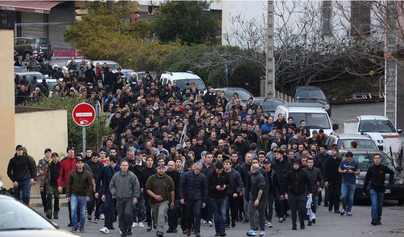 Ajaccio-manifestation quartier jardins de l'empereur-25-26-12-2015