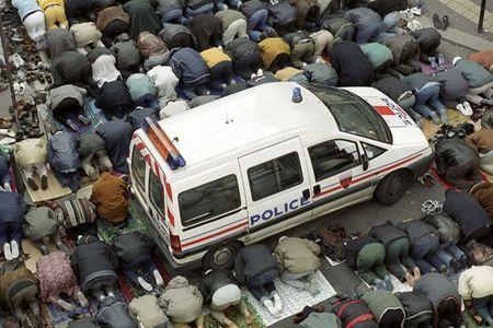 Prière de rue de musulmans