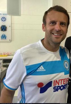 Macron déguisé en footballeur à Marseille-15.08.2017