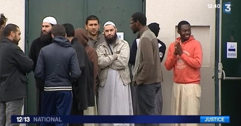 Les fidèles de la mosquée de Poitiers sur FR3