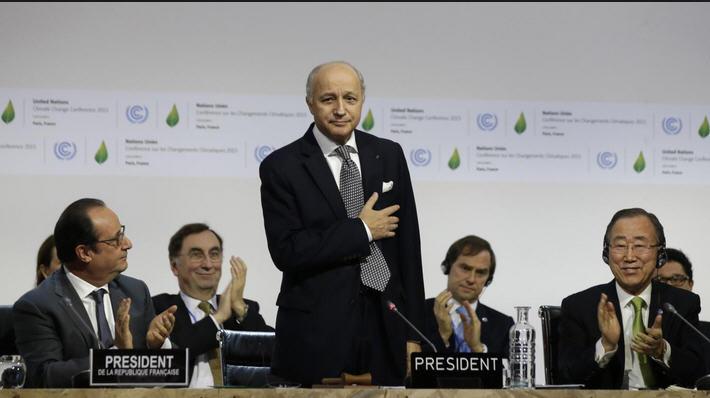 COP21 Fabius au bord des larmes- décembre 2015